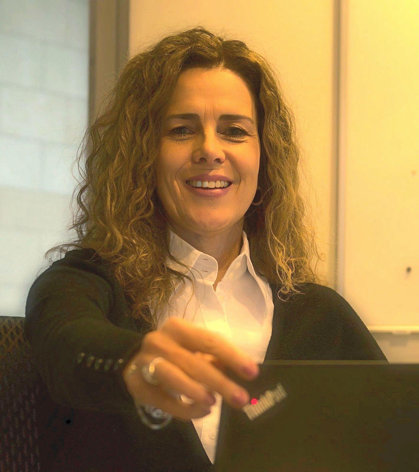 Rheindigital-Redakteurin Elke Abels